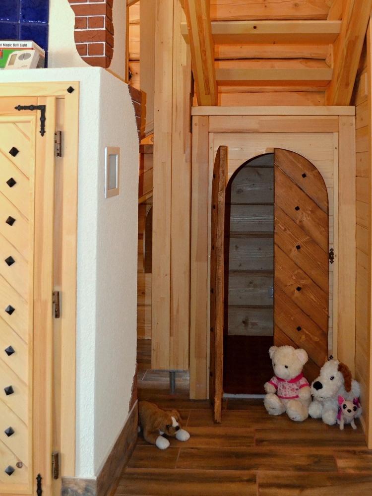Chata Kukulienka - detský domček pod schodiskom