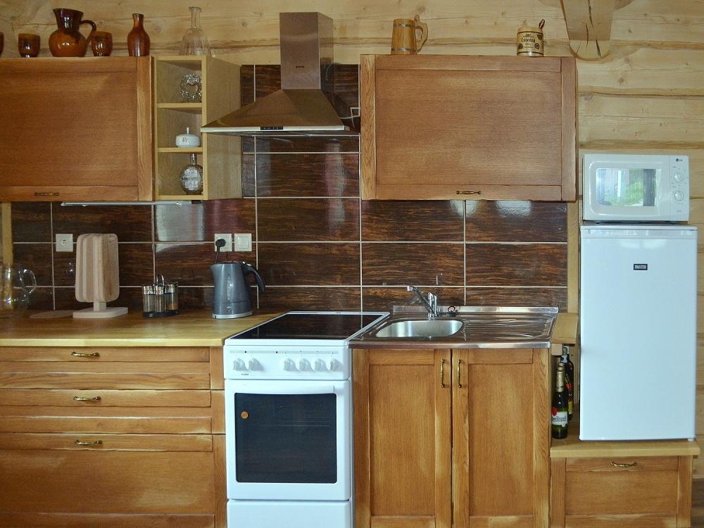 Kuchyňa, pohľad spredu | Chata Kukulienka