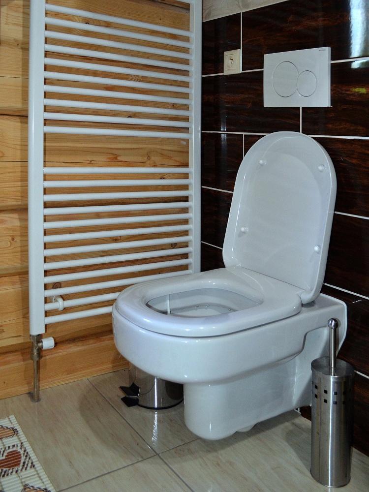 Toaleta v kúpelni | Chata Kukulineka